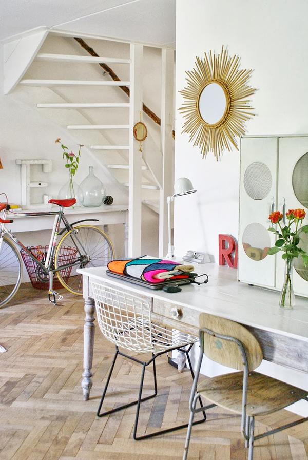 Apuesta por el blanco, mobiliario recuperado y suelos de madera