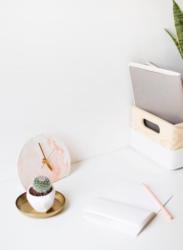 DIY-mini-standing-desk-clock-tutorial-polymer-clay