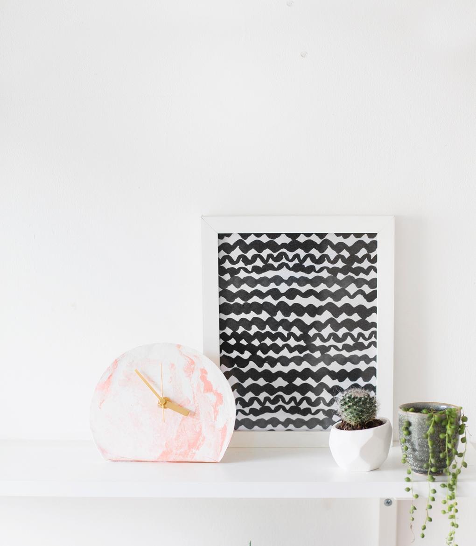 mini-standing-desk-clock-DIY-easy-tutorial-polymer-clay-workspace